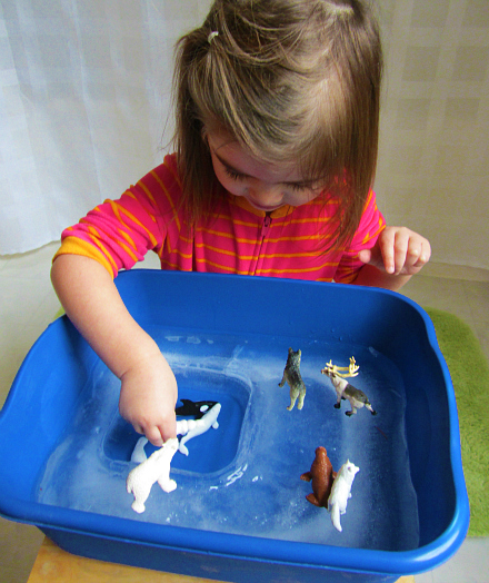 tipsaholic-arctic-animal-and-ice-sensory-play-no-time-for-flash-cards