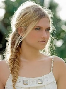 tipsaholic-beach-fishtail-braid-stylezza