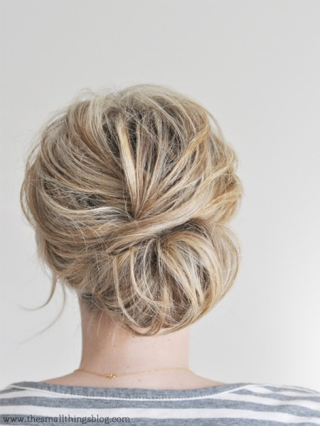 tipsaholic-beach-low-chignon-the-small-things-blog