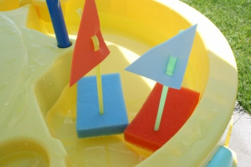Floating sponge boats for kids' summer fun from Make and Takes on Remodelaholic
