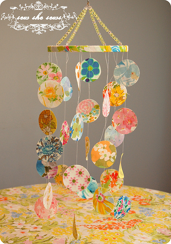 tipsaholic-floral-fabric-mobile-sew-she-sews