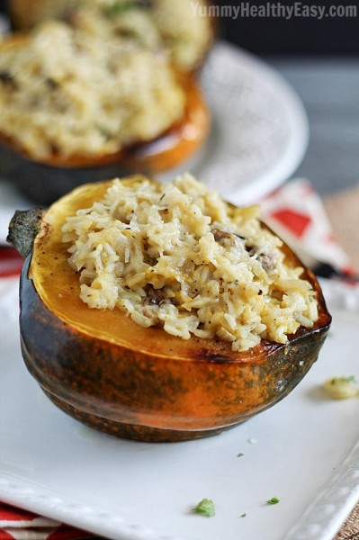 Have you tried the very versatile and healthy acorn squash yet? Try these 10 delicious acorn squash recipes for your next dinner... or breakfast or lunch via @tipsaholic #squash #veggies #acornsquash #recipes