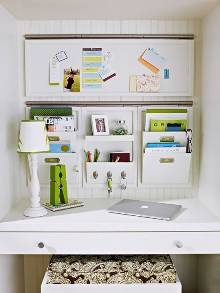 tipsaholic-desk-built-in-with-hanging-storage-bhg