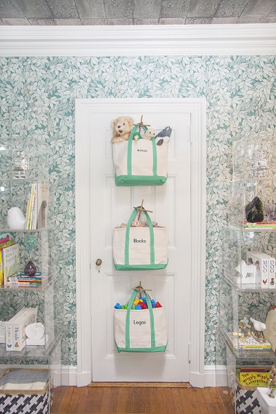 Toys are one thing that are hard to keep organized. Small pieces make it a bit of a job. If you need some inspiration try one of these 25 Fun Toy Storage Ideas - Tipsaholic, #storage, #organization, #toystorage, #kids