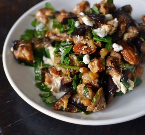 Looking for new ways to cook eggplant that will please everyone at your dinner table? Here are 10 yummy eggplant recipes for you to try via @tipsaholic #eggplant #recipes #health #healthandweightloss #eating