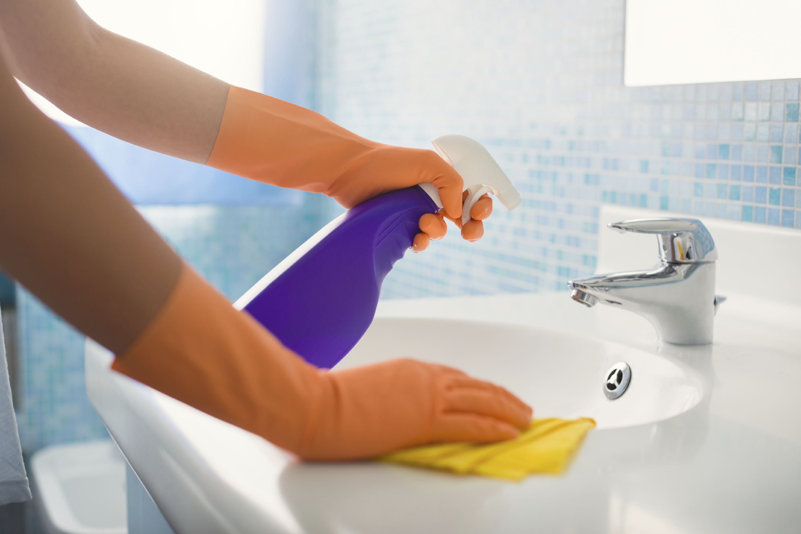 Cleaning the bathroom isn't always fun, but it can be easy. Here