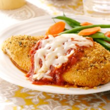 Take the hassle out of your Valentine's Day by spending a romantic evening at home making and eating one of these classic, simple Valentine's Day dinners! 8 Simple Valentine's Day Dinner Classics ~ Tipsaholic.com #simple #easy #valentines #dinner