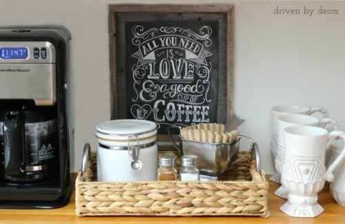 Love coffee? Create a fabulous coffee bar in your home! Here are 13 great ideas for an organized, functional, and beautiful home coffee bar! 13 Ideas for a Home Coffee Bar via tipsaholic.com