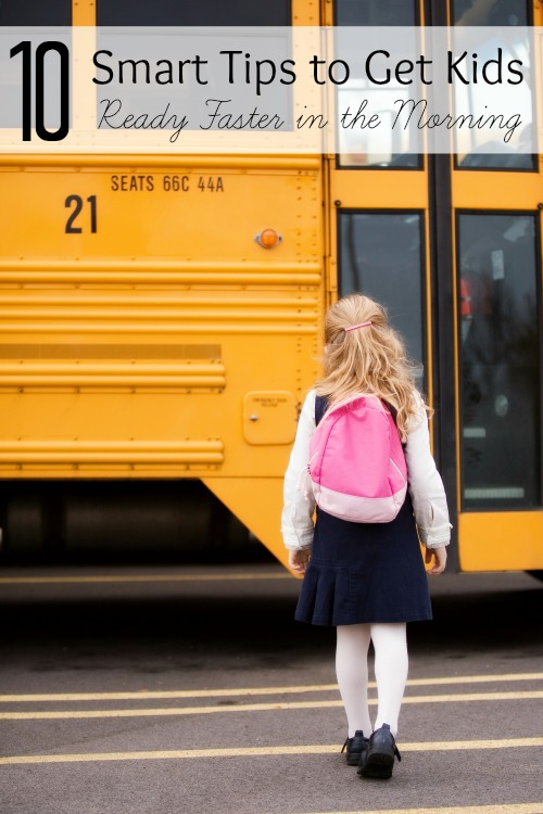 Are your mornings rushed and hectic? Try these 10 tips to make your mornings go a little more smoothly and get kids ready faster in the morning. 10 Smart Tips to Get Kids Ready Faster in the Morning via @tipsaholic #kids #school #tips