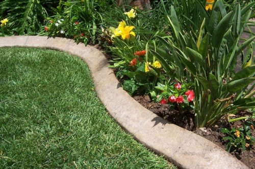 Superieur Increase The Beauty Of Your Lawn By Adding Garden Edging That Works Well  With The Style