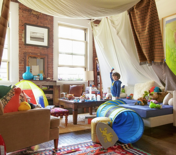 living room fort ideas 25 diy forts to build with your this summer tipsaholic 13395