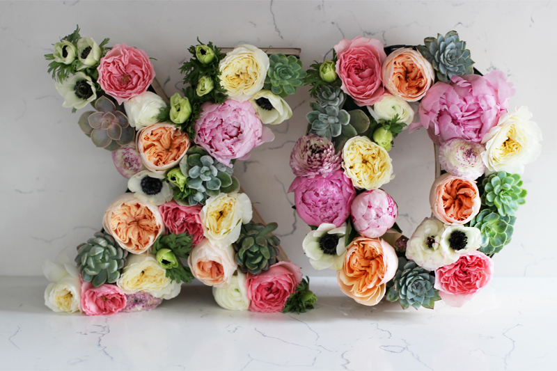 If a wedding is in your future, check out these sweet DIY wedding ideas. Decorations, place cards and more to make your day special. 10 DIY Wedding Ideas via @tipsaholic #wedding #diy #bridal #decorations
