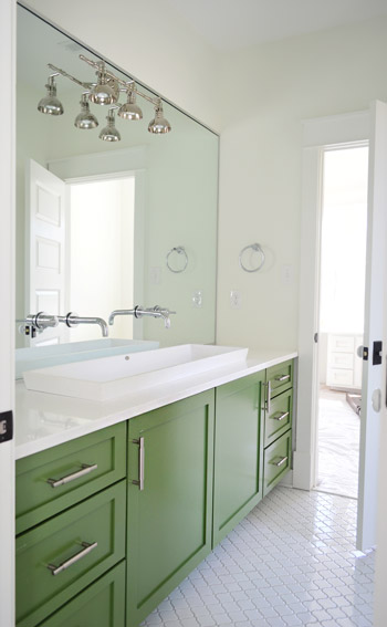 Merveilleux 25 Inspiring And Colorful Bathroom Vanities Via @tipsholic #bathroom #vanity  #colorful #