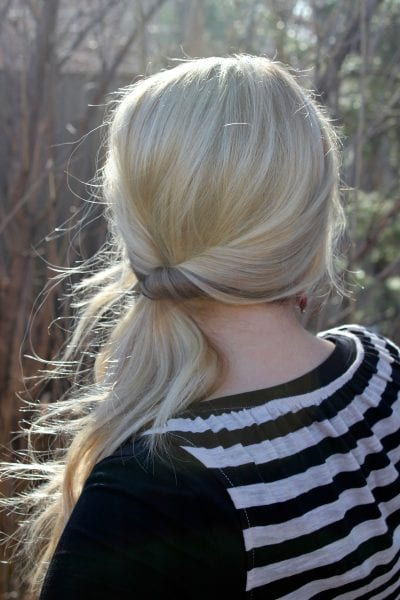 Not every morning can be spent drying and curling your hair. Check out these 10 easy lazy day hairstyles for hair that works even when you don't want to. 10 Lazy Day Hairstyles That Don't Look It ~ Tipsaholic.com #easyhair #hairstyles
