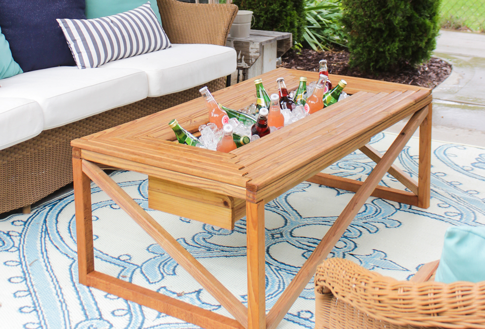 Remodelaholic brilliant diy cooler tables for the patio for Patio table with built in cooler